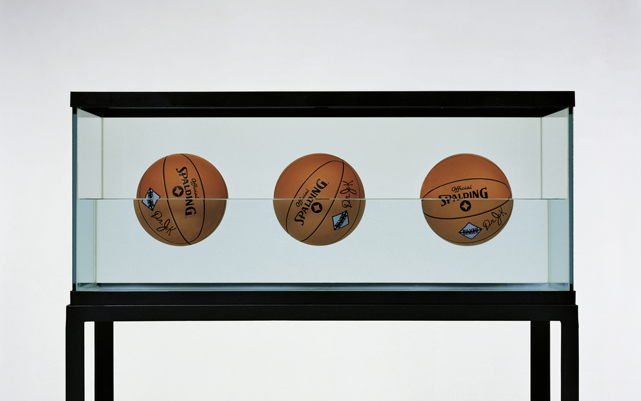 Jeff Koons, Three Ball 50-50 Tank (Spalding Dr. JK Silver Series), 1985, Edition of 2. © Jeff Koons, Courtesy: Newport Street Gallery, London
