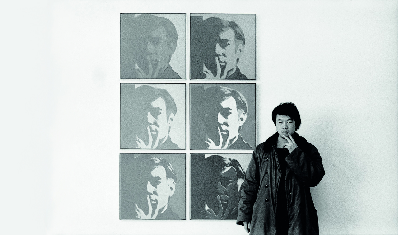 Ai Weiwei at the Museum of Modern Art, 1987, from the New York Photographs series. © Ai Weiwei
