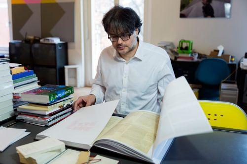 Ivo reading the facsimile of Proust's À la recherche du temps perdu