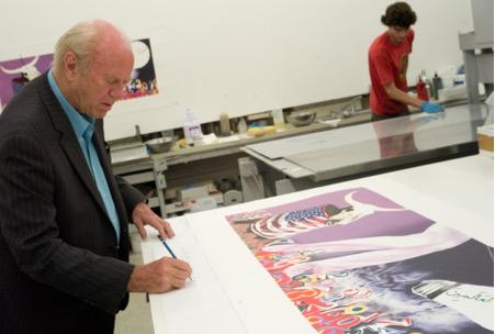 Jim Rosenquist signing at Gemini G.E.L. © Sidney B. Felsen