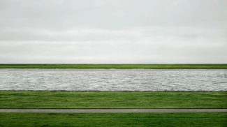 Andreas Gursky, Rhine II, 1999/2015. © Andreas Gursky/DACS, 2017. Image: Courtesy Sprüth Magers, Los Angeles, London, and Berlin