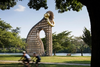 Martin Puryear, Big Bling, 2016. Photo: James Ewing. Courtesy of the Association for Public Art