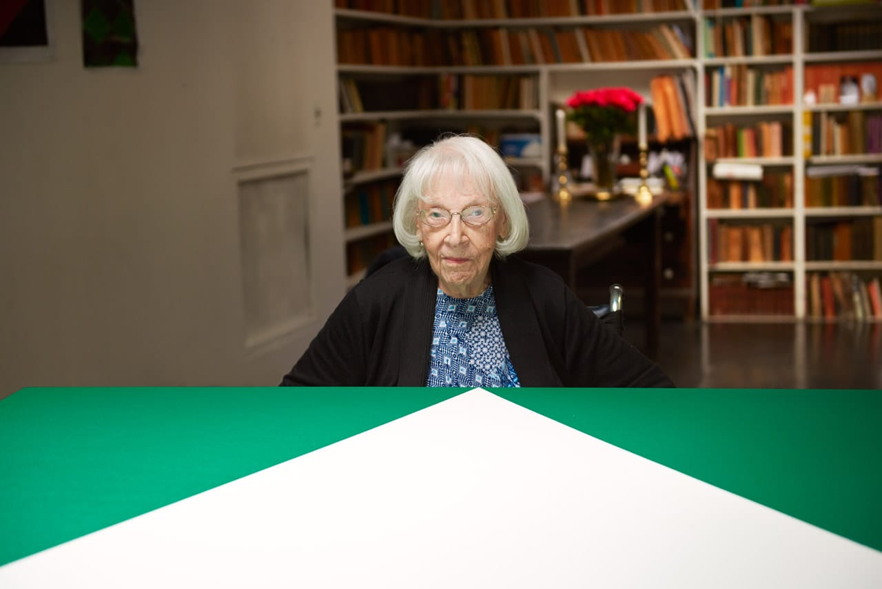 Carmen Herrera in 2015. Photo: Jason Schmidt.  © Jason Schmidt. Courtesy of Lisson Gallery