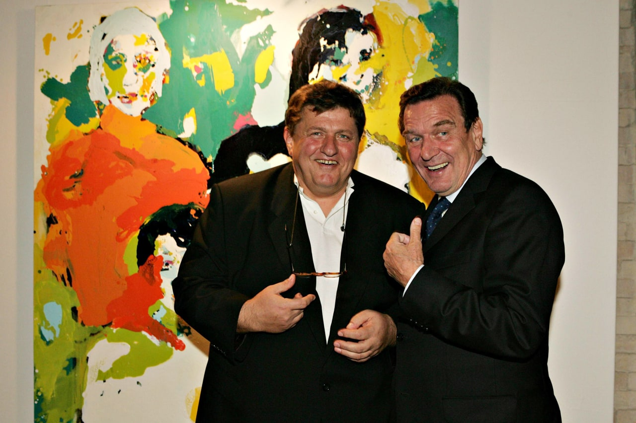 Michael Schultz alongside Gerhard Schröder the former German Chancellor. Image: Getty Images