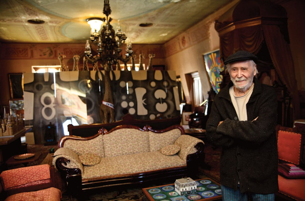 Robert Indiana at his home in Maine. Image: © Joel Greenberg
