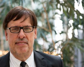 Portrait of Rüdiger K. Weng. Image: © Weng Fine Art