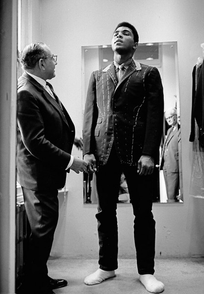 Thomas Hoepker, Ali is Measured for a Suit, London, 1966