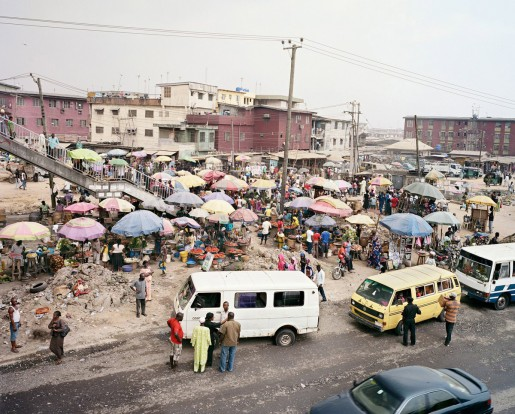 Julian Röder, Market at Odun Ade bus stop, Lagos, Nigeria, 2009