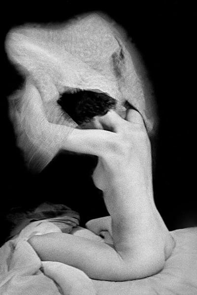 René Groebli, Das Auge der Liebe, Sitzender Akt, Paris (The Eye of Love, Sitting Nude, Paris), 1952