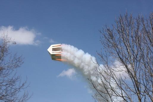 Roman Signer, Haus mit Raketen, Gais, 2013