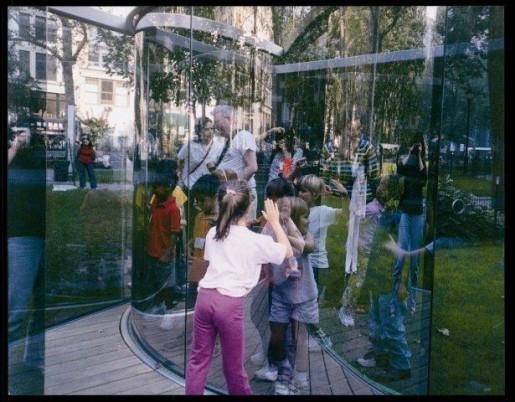 Dan Graham, Fun for Kids at my Work in a Park in Manhattan, 2003