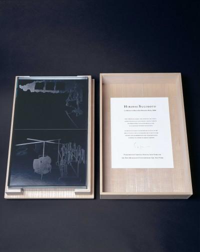 La Boite en Bois by Hiroshi Sugimoto