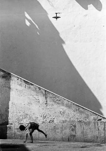 Boy in Street, Naples, Italy by Thomas Hoepker