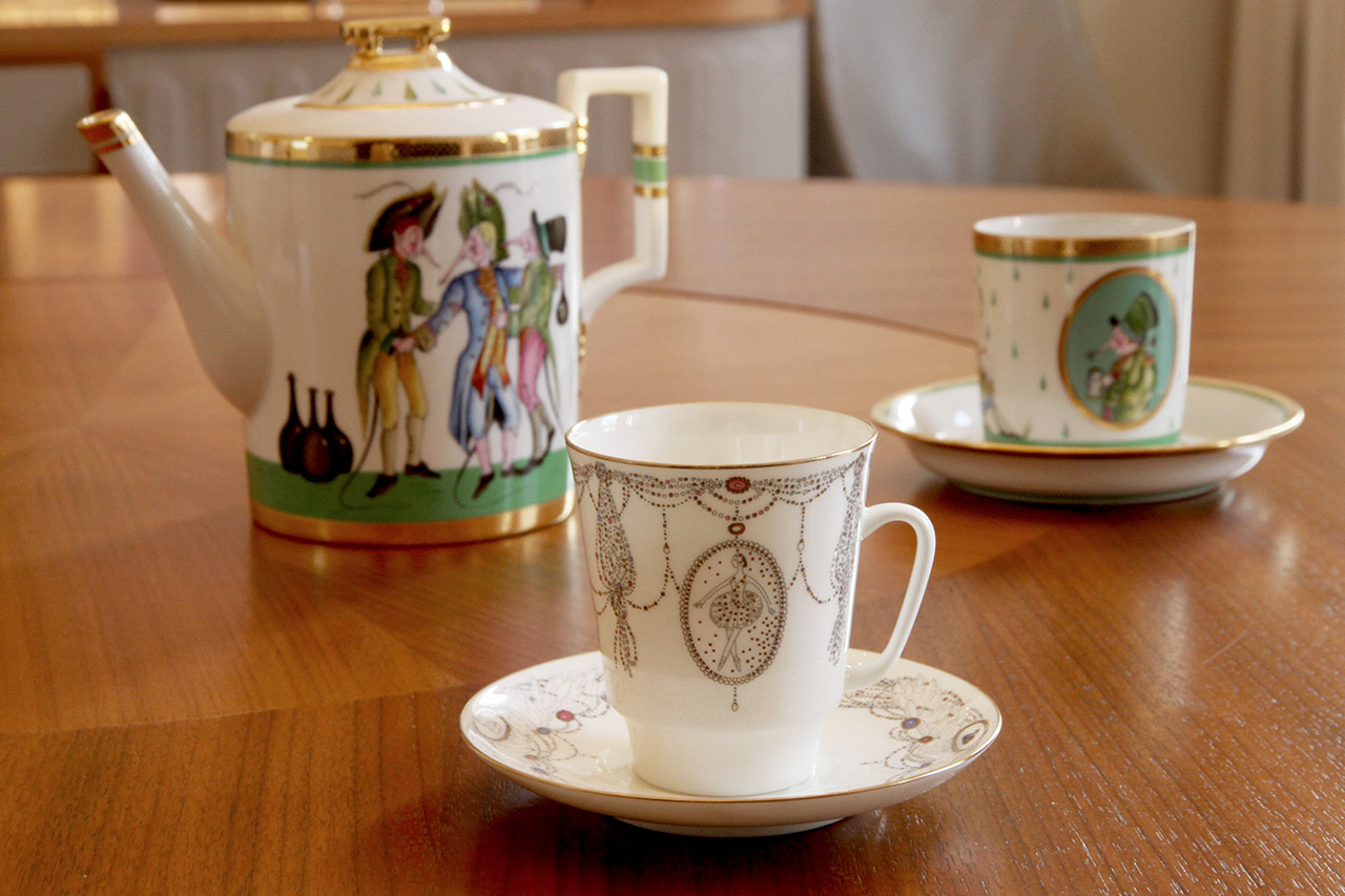 A St. Petersburg Imperial Porcelain tea set painted by Mihail Chemiakin