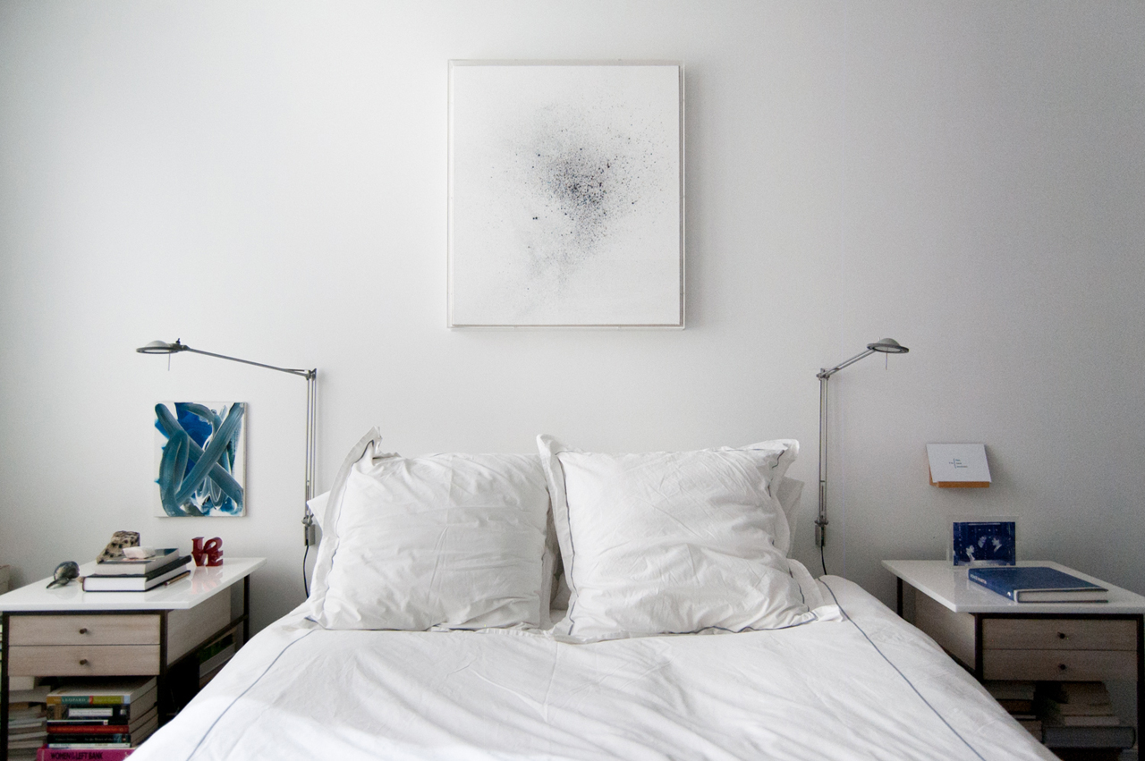 ON the left a work by Anne-Lise Coste Above the bed a work by Thilo Heinzmann. Image: © Linda Green