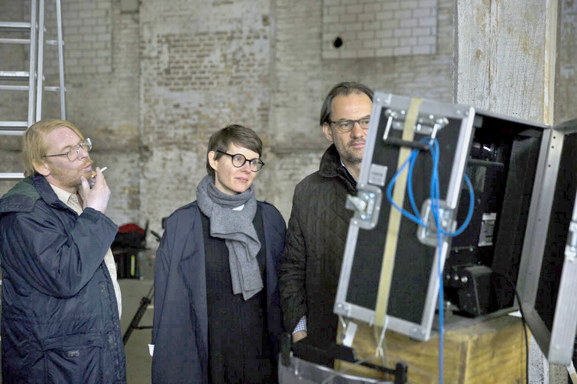 Ben Becker joins fineartmultiple's Chief Curator Nina Koidl and Founder Roman Maria Koidl to view the footage. Image: © Petrov Ahner