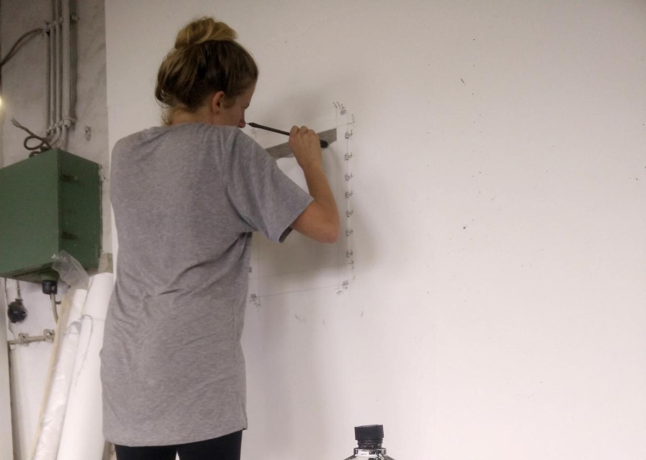 Luise von Rohden at work in her studio. Image: © artnow Gallery