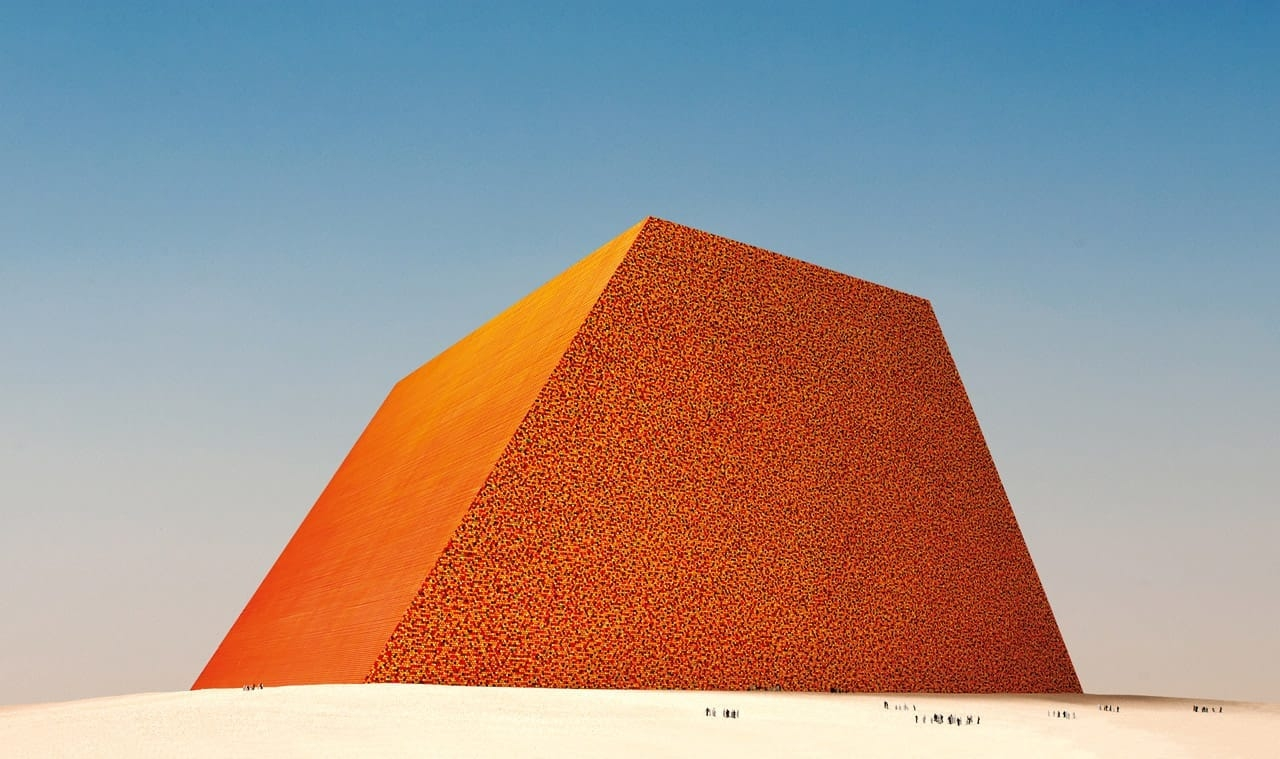 Christo, The Mastaba of Abu Dhabi (Project for United Arab Emirates), Scale model, Enamel paint, wood, paint, sand and cardboard. Photo: Wolfgang Volz. © 1979 Christo
