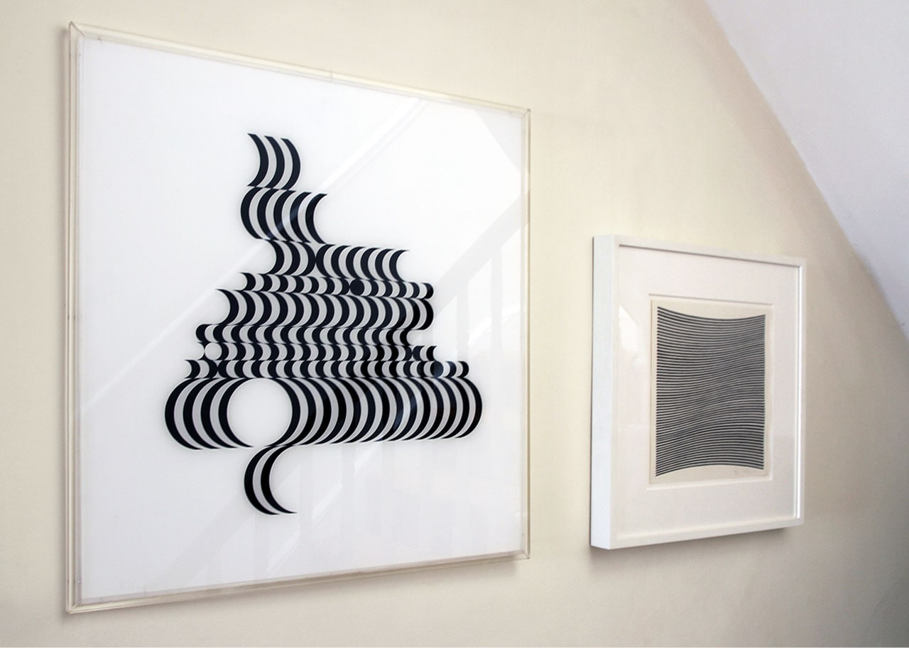 On the left Bridget Riley, Fragment No 2, 1965 and on the right Bridget Riley, La Lune en Rodage, 1965