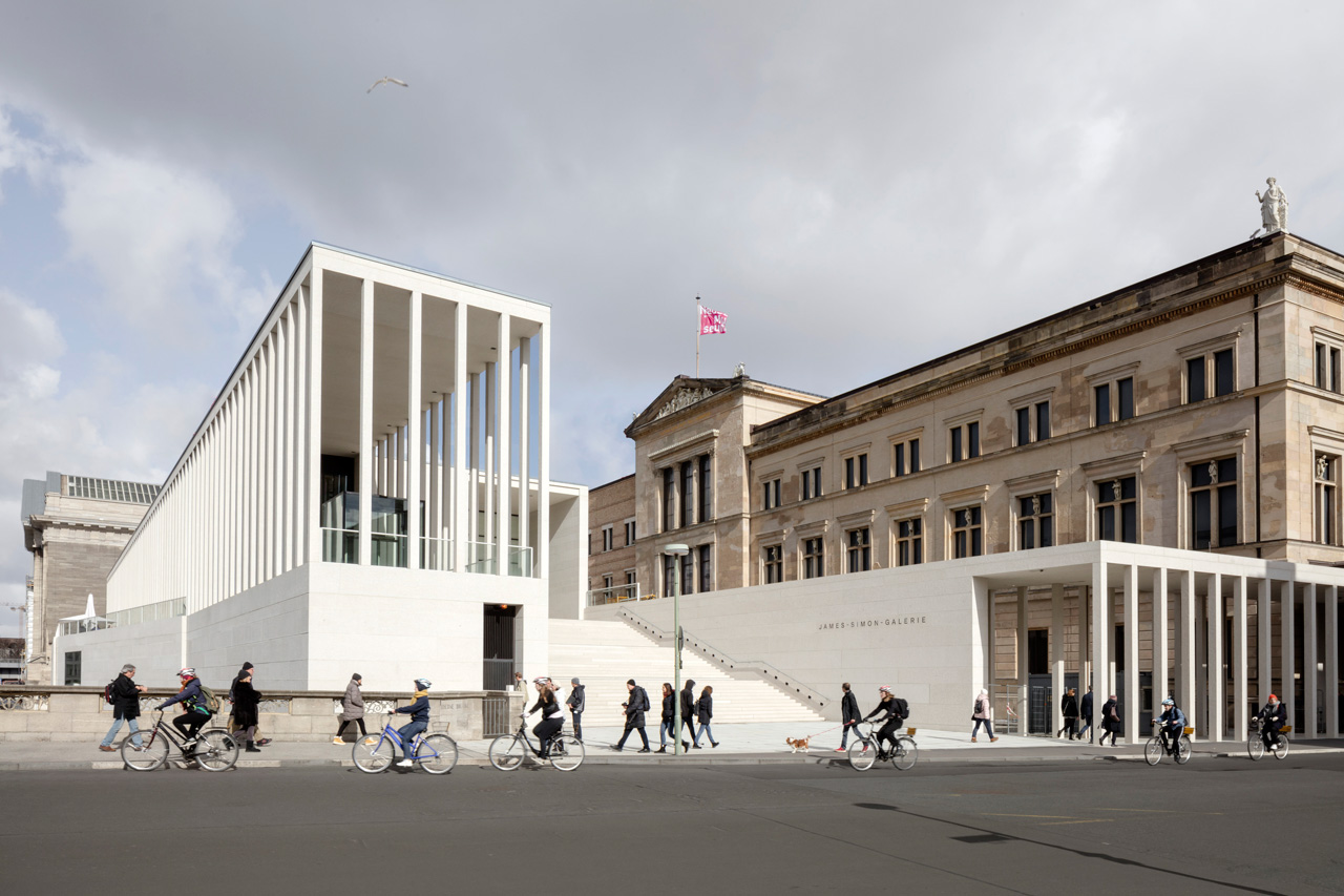 James Simon Gallery, View towards the main entrance, © Ute Zscharnt for David Chipperfield Architects